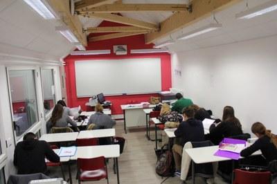 Salle de classe côté village